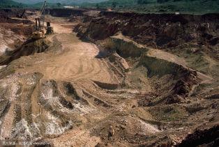 特定条件批准出口 彭亨铝土禁令再延长半年